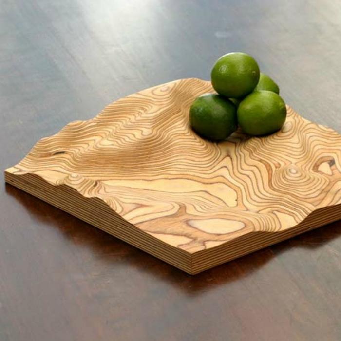 Оригинальная рельефная тарелка для фруктов.