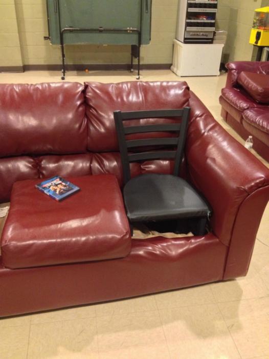 Ремонт дивана.