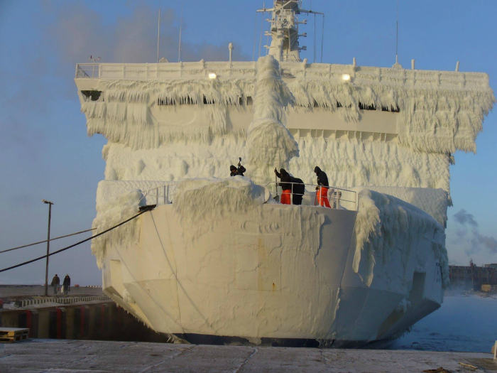 Зимние будни моряков.