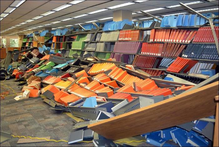 Несчастный случай в библиотеке.