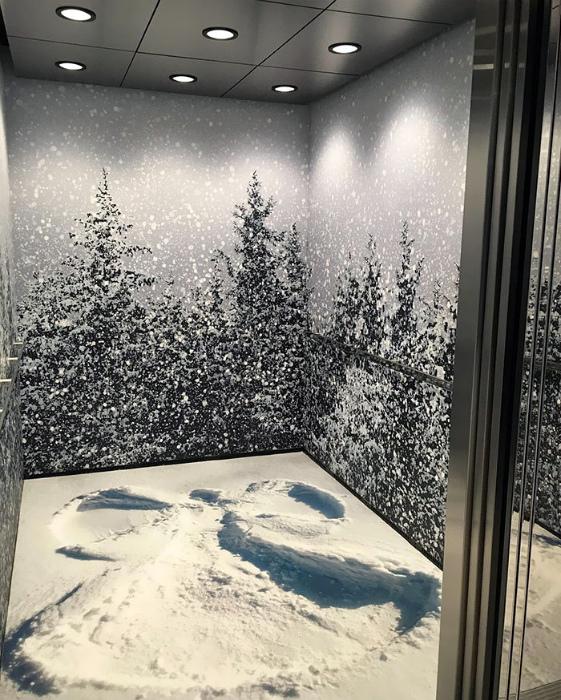 Снежный дизайн кабины.