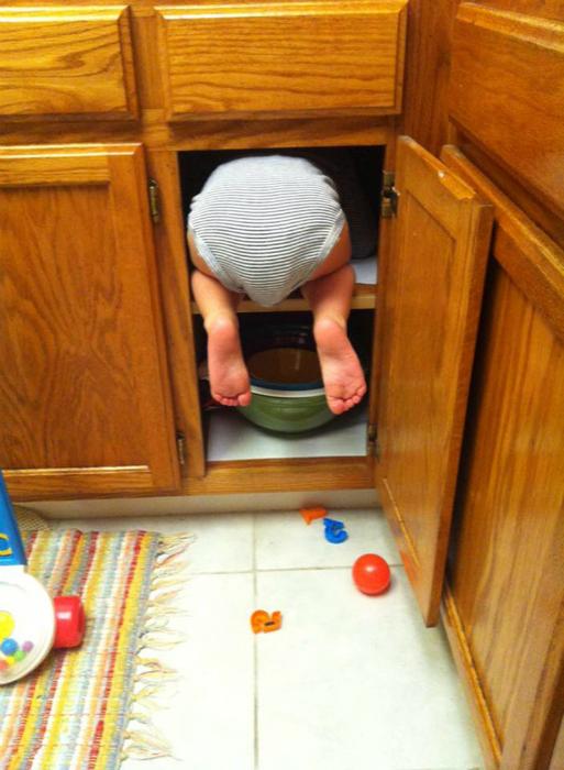 Сюрприз в шкафчике.