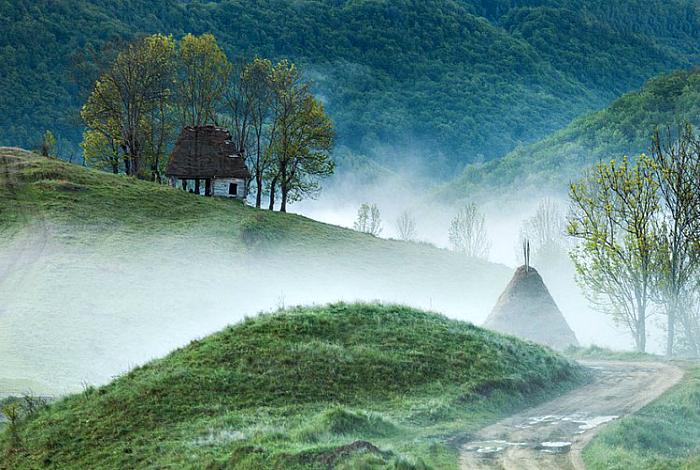 Небольшой дом в горах Апусени.