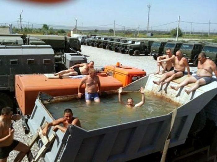Сделали себе бассейн. | Фото: Spassprediger.com.