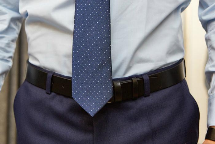 Слишком длинный или короткий галстук.