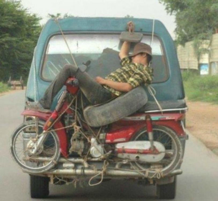 Правила транспортировки людей.   Фото: AutoNet.ee.
