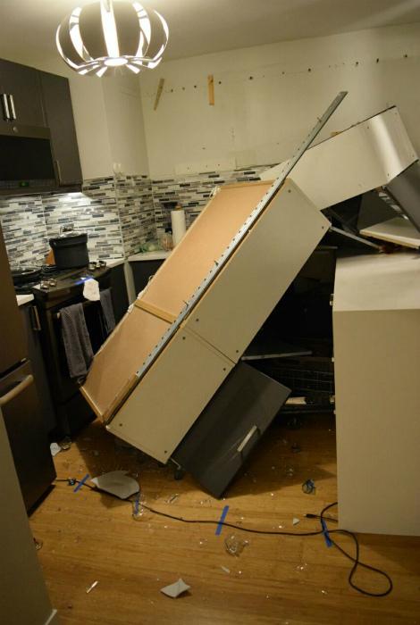 Мебель ушла  отрыв.