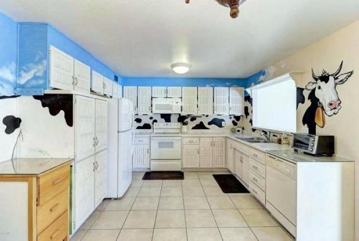 Это что, кухня для 12-ти летки? | Фото: Reddit.