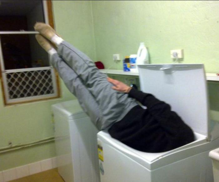 Загрузил стиральную машину.