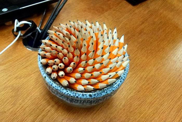 Потрясающая композиция из карандашей.