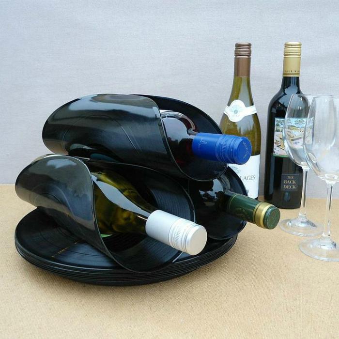 Подставки для винных бутылок.