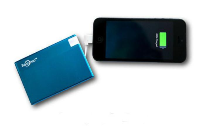 TravelCard – маленькое зарядное устройство для мобильных гаджетов, способное обеспечить 5 часов автономной работы для смартфона.