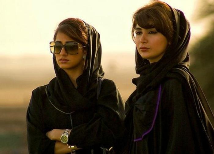 В ОАЭ девочки получают по наследству вдвое меньше, чем мальчики.