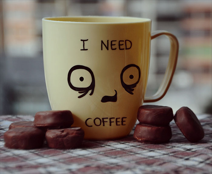 Пристрастие к кофе.