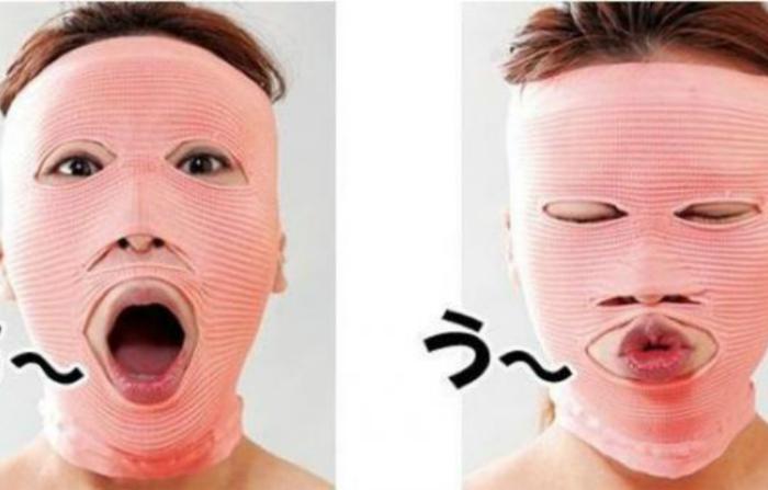 Омолаживающая эластичная маска, которая сойдет и за костюм на Хэллоувин.