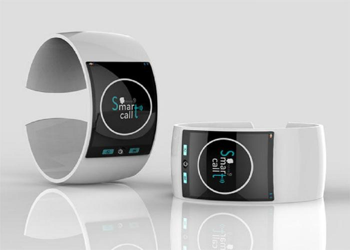 Современные многофункциональные часы для людей с нарушенным слухом и зрением.