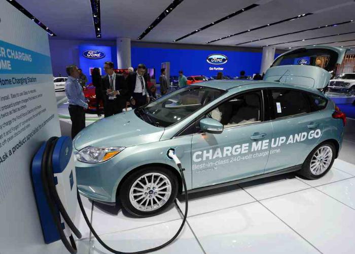 Экологический автомобиль на электродвигателе от компании Liberty Electric Cars.