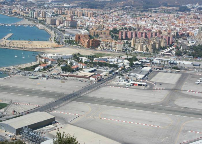 Международный гибралтарский аэропорт.