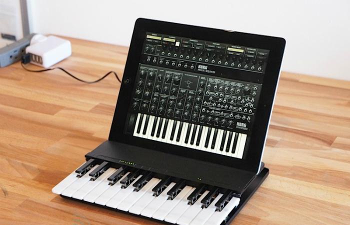 Функциональная музыкальная клавиатура под названием - C.24 The Music Keyboard for iPad.