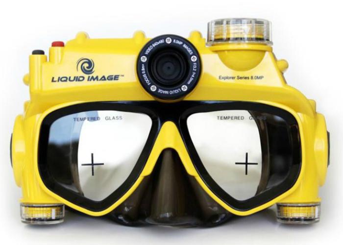 Необычный девайс сочетающий в себе подводную маску и видеокамеру - Liquid Image Explorer.