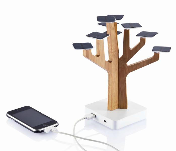 Портативное зарядное устройство - Suntree работающие от солнечных панелей.
