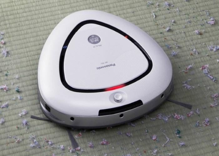 Первый робот-пылесос с треугольным корпусом.