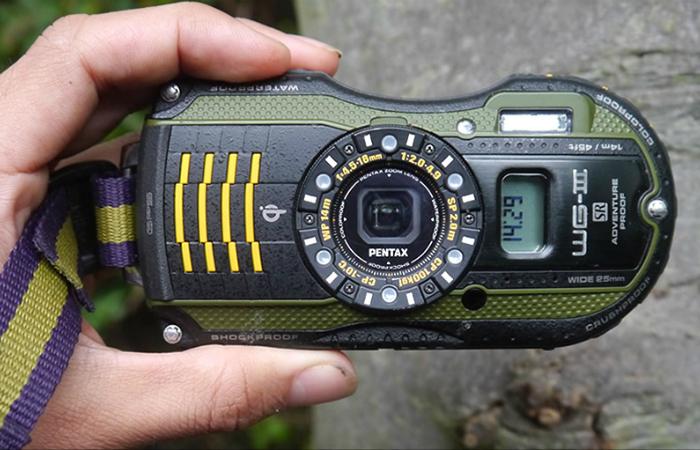 Водонепроницаемая камера с противоударным корпусом - Pentax WG-3.