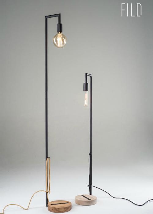 Основа из метала придает лампе устойчивость, а подобранное сочетание текстильного провода и тонировки дерева добавляет ощутимую динамику цвета. Заключительный акцент модели это лампа накаливания, которая приносит теплый и уютный свет в любое пространство.