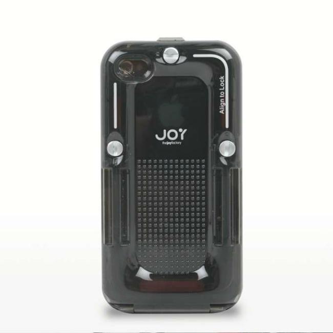 RainBallet защищает iPhone не только от воды, но и от пыли, грязи и любых физических повреждений. Специальная конструкция чехла улучшает качество снимков и видеозаписи и не блокирует звук. Разработчики гарантируют защиту от проникновения внутрь корпуса влаги или воды по стандарту IPx5.