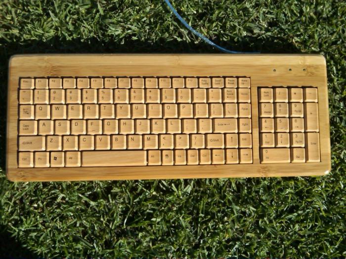 Экологическая бамбуковая  клавиатура под названием клавиатура - Bamboo.