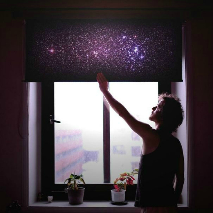 Занавеска, имитирующая звездное небо.