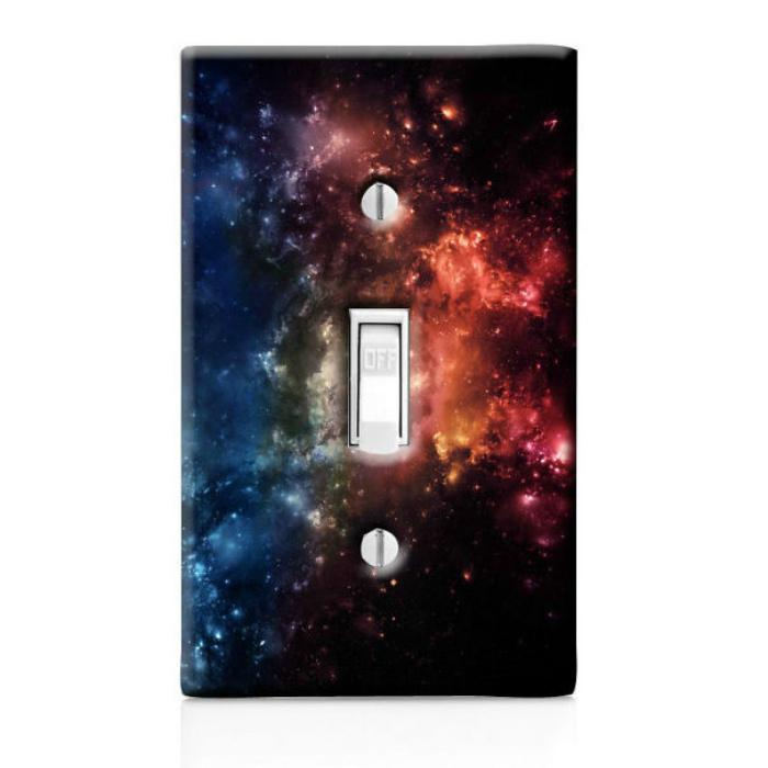 Выключатель декорированный бумагой со звездами.