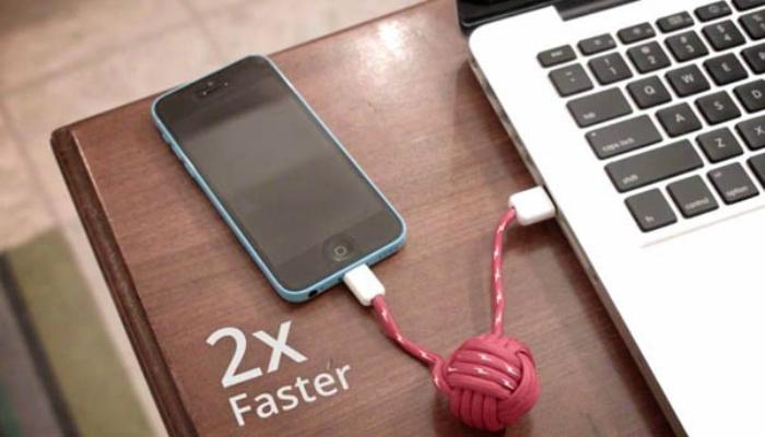 Оригинальный кабель для смартфона Apple Iphone под названием - JUMP Cable.