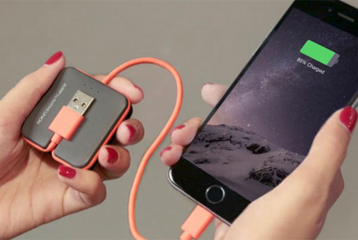 Компактный зарядный кабель для смартфона под названием - JUMP Cable.