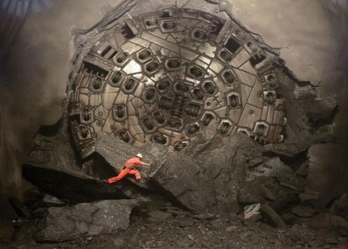 Самая большая в мире буровая туннельная установка.