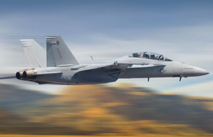 American carrier-based fighter-bomber - Boeing F / A-18E / F Super Hornet.