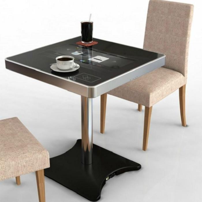 Новый функциональный интерактивный столик для ресторанов.
