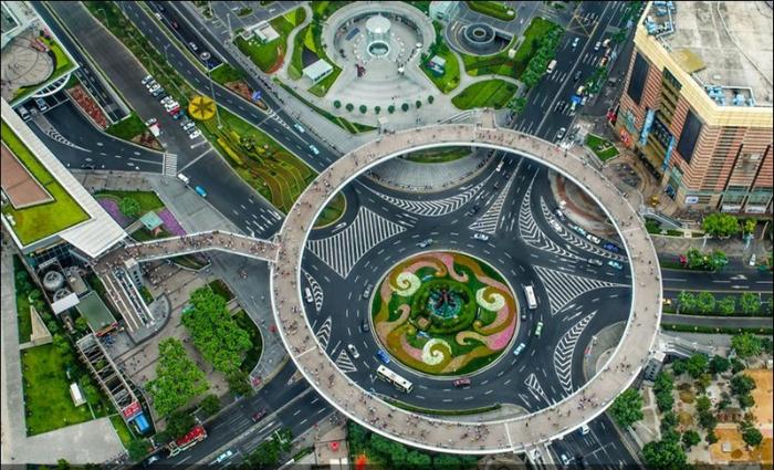Безопасная пешеходная зона в Китайской Народной Республике.