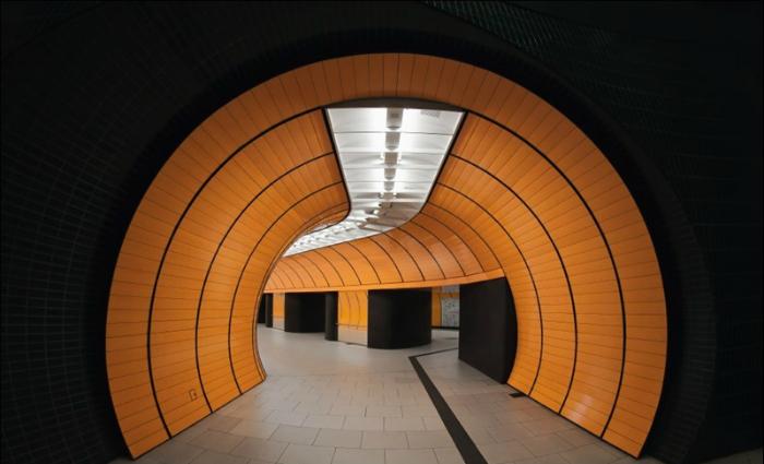 Современный метрополитен в городе Мюнхен.