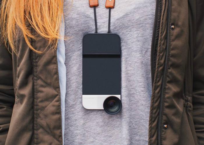 Практичный чехол для Iphone от компании Moment.