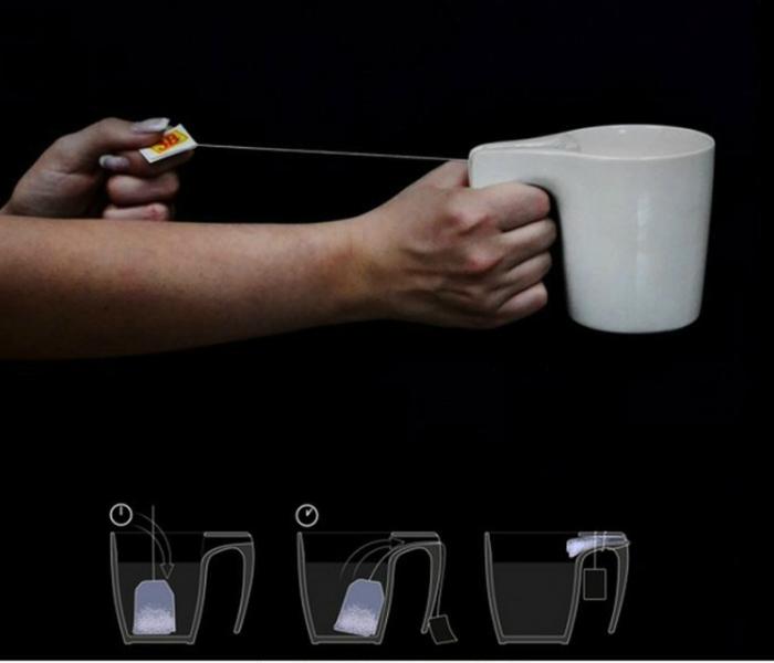 Оригинальная чайная чашка с отсеком для использованного пакетика чая.