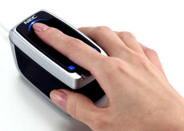 Уникальный сканер отпечатка пальца и узора вен.