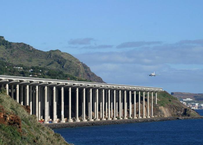 Аэропорт Madeira, Португалия.