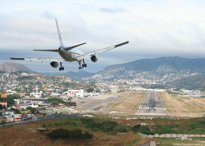 Аэропорт Toncontin, Гондурас.