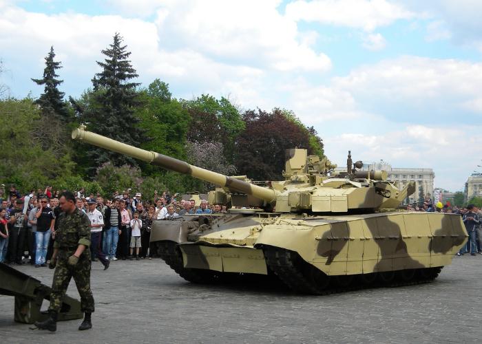 Современный украинский танк под названием - Т-84 БМ Оплот.