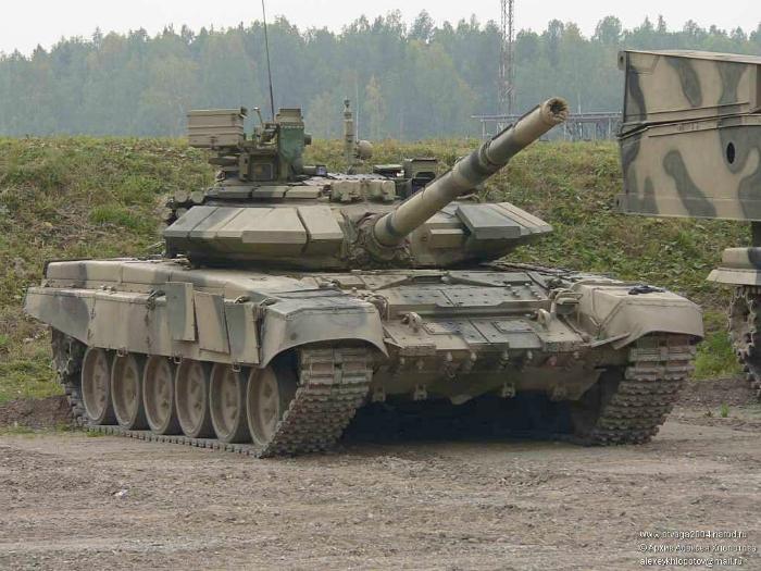 Современный российский танк под названием - Т-90.