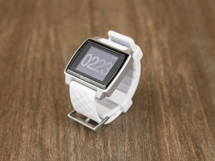 Современные фитнес-часы под названием - Peak от компании Basis.