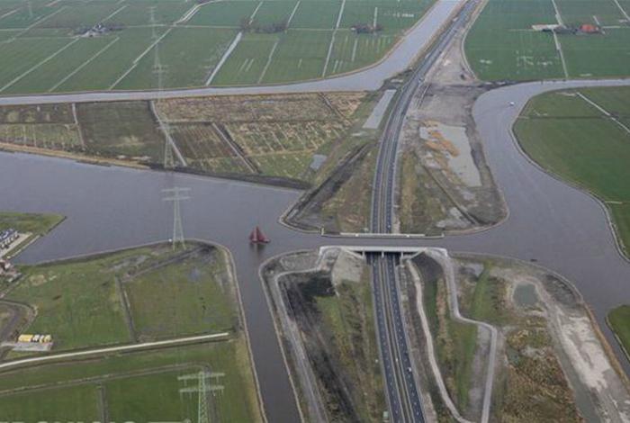 Акведук Langdeel, Нидерланды.