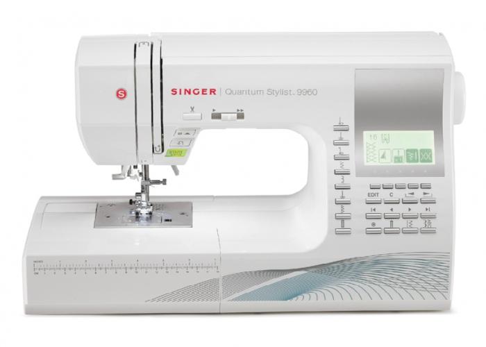 Компьютеризированная швейная машинка под названием - Singer 9960.