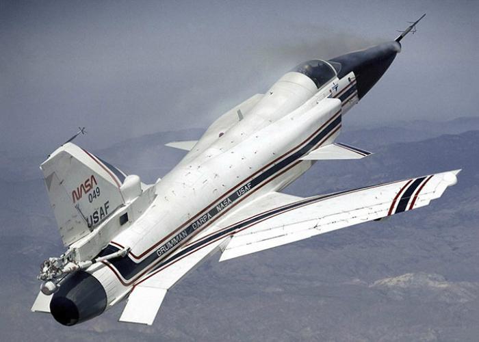 Необычный американский лайнер под названием - Grumman X-29.